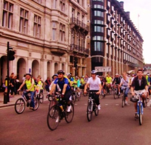 M.A.M.I.Ls (Middle Aged Men In Lycra) and non-M.A.M.I.L.s alike take to the streets of London in their hundreds.